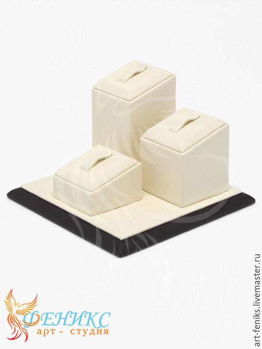 размер:90х90х60 артикул:A-1603 Количество демонстрируемых изделий: 3 кольца.