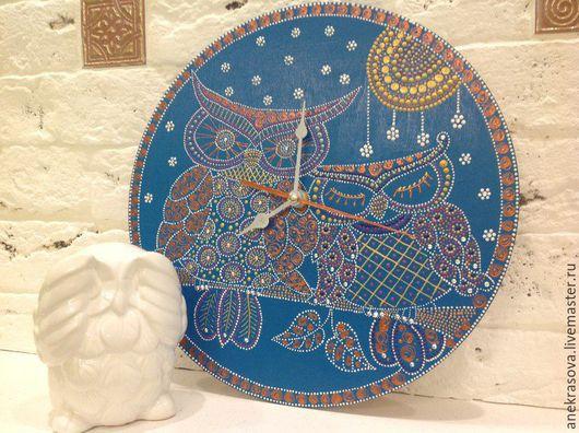 """Часы для дома ручной работы. Ярмарка Мастеров - ручная работа. Купить Часы """"Совушки"""". Handmade. Часы интерьерные, точечная роспись"""