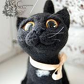 Куклы и игрушки ручной работы. Ярмарка Мастеров - ручная работа Игрушка из шерсти кошка черная Ксюша-попрошайка. Handmade.