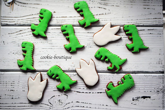 """Кулинарные сувениры ручной работы. Ярмарка Мастеров - ручная работа. Купить Пряники """"Dino party"""". Handmade. Ярко-зелёный, динозавр"""