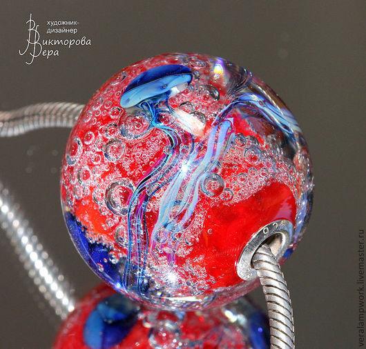 Кулоны, подвески ручной работы. Ярмарка Мастеров - ручная работа. Купить Огненная планета синих медуз. Handmade. Авторский лэмпворк