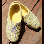 """Обувь ручной работы. Ярмарка Мастеров - ручная работа Тапочки валяные """"Цветы Лимона"""". Handmade."""