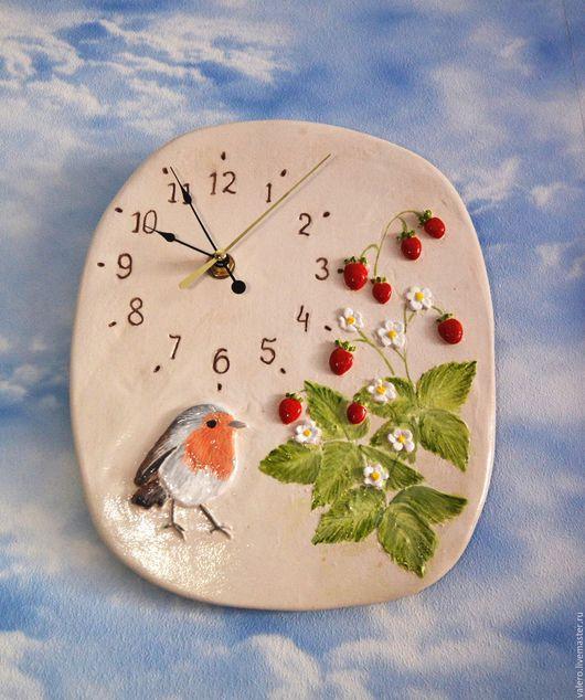 Часы для дома ручной работы. Ярмарка Мастеров - ручная работа. Купить Часы настенные Спелая земляничка. Handmade. Часы