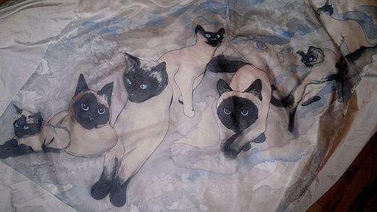 """Шали, палантины ручной работы. Ярмарка Мастеров - ручная работа. Купить Платок """"Сиамки"""". Handmade. Бежевый, шарф с кошками"""