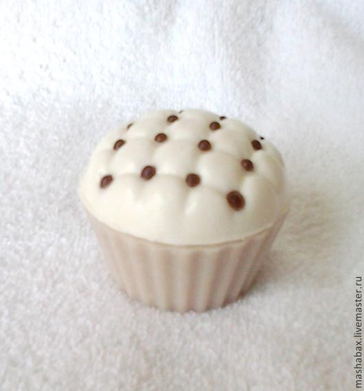 Мыло ручной работы. Ярмарка Мастеров - ручная работа. Купить Мыло-скраб для тела Кокосовые кексы. Handmade. Белый