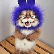 Куклы и игрушки ручной работы. Ярмарка Мастеров - ручная работа Кот хохотунчик в шапке зайца. Handmade.