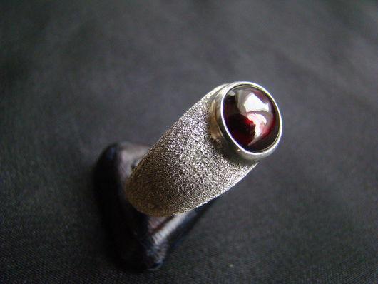 Кольца ручной работы. Ярмарка Мастеров - ручная работа. Купить Кольцо с гранатом. Handmade. Серебряный, натуральный камень