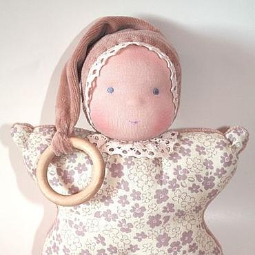 Куклы и игрушки ручной работы. Ярмарка Мастеров - ручная работа Кукла-бабочка, погремушка, прорезыватель, бежевая. Handmade.