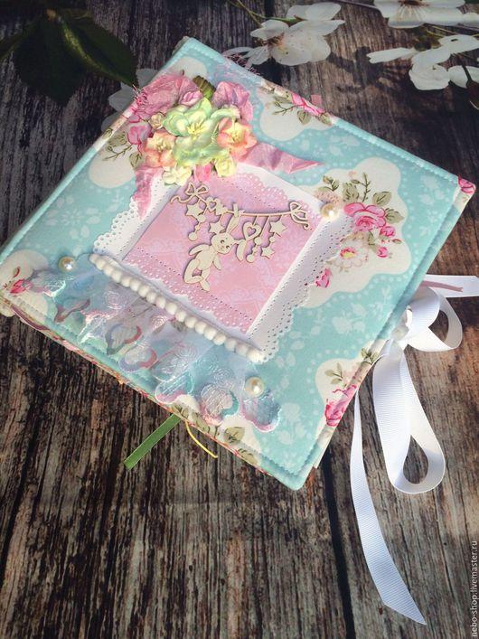 """Подарки для новорожденных, ручной работы. Ярмарка Мастеров - ручная работа. Купить Фотоальбом для девочки """"Нежность"""" первого года жизни. Handmade."""