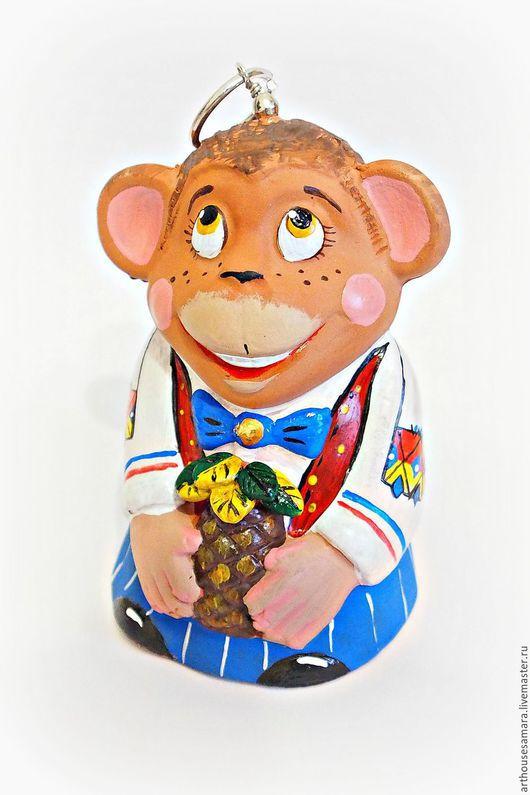 """Колокольчики ручной работы. Ярмарка Мастеров - ручная работа. Купить Керамический колокольчик """"Обезьяна с ананасом"""". Handmade. Синий, сувенир, керамика"""