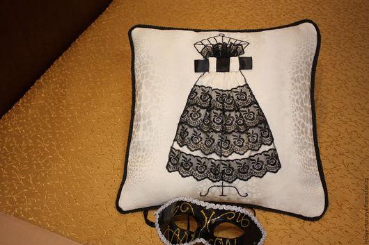 """Текстиль, ковры ручной работы. Ярмарка Мастеров - ручная работа. Купить Декоративная подушка """" На бал"""". Handmade. Комбинированный"""