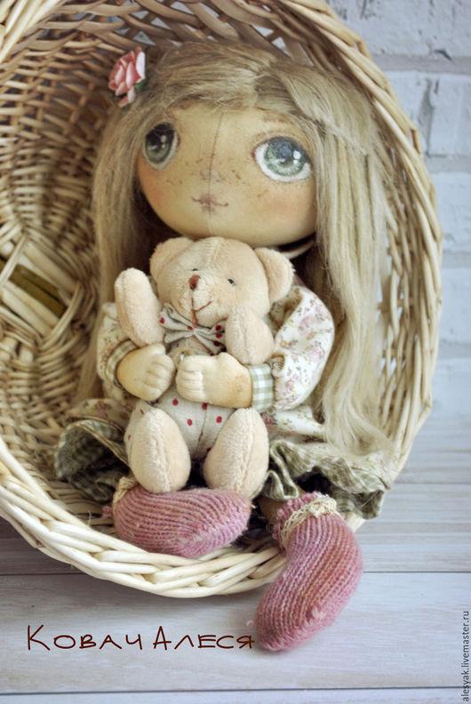 Куклы тыквоголовки ручной работы. Ярмарка Мастеров - ручная работа. Купить Кукла тыквоголовая текстильная с мишкой авторская. Handmade. Кремовый