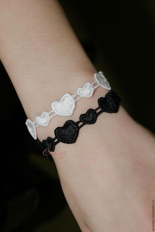 браслеты вышитые Черно белое сердце кружево ажур браслет с вышивкой