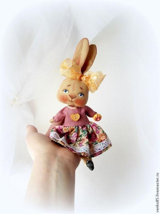 Коллекционные куклы ручной работы. Ярмарка Мастеров - ручная работа. Купить Чудо на ладошке Заинька с пончиком. Handmade. Заяц кукла