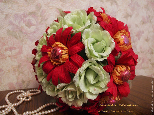 """Букеты ручной работы. Ярмарка Мастеров - ручная работа. Купить Букет из конфет """"Герберы и розы"""". Handmade. Разноцветный, сладкий подарок"""
