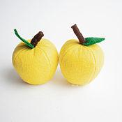 Кукольная еда ручной работы. Ярмарка Мастеров - ручная работа Яблоко из фетра фрукты из фетра. Handmade.