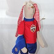 Куклы и игрушки ручной работы. Ярмарка Мастеров - ручная работа Зайчик-футболист. Handmade.