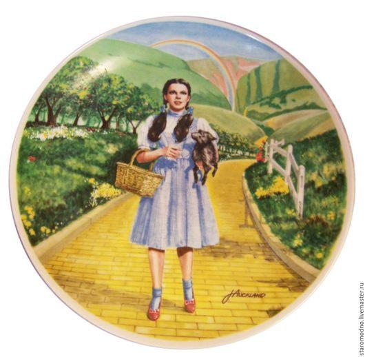 Декоративная коллекционная тарелка Over the Rainbow (Над радугой), серия Wizard of Oz. Художник James Auckland. Лимитированный выпуск 1977г. Фарфор Edwin M.Knowles. Фарфор, деколь.