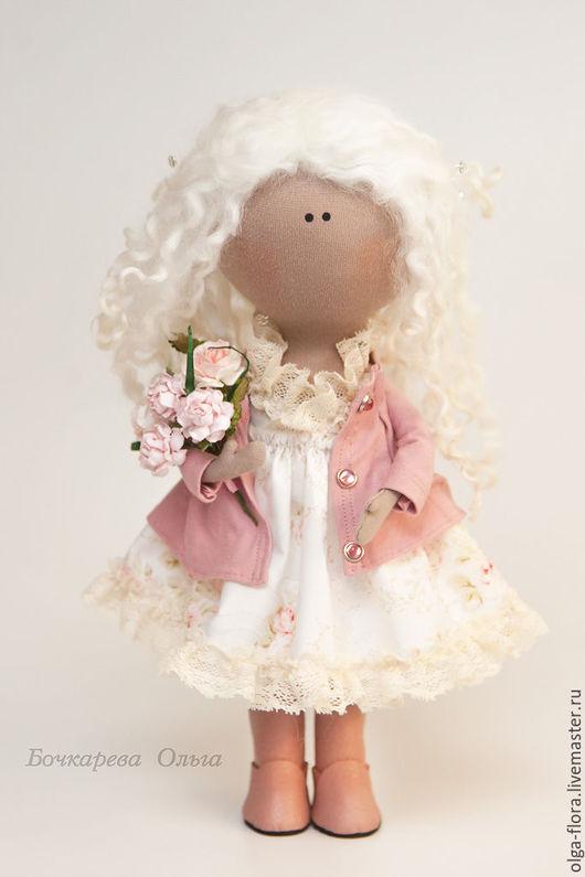 Коллекционные куклы ручной работы. Ярмарка Мастеров - ручная работа. Купить Интерьерная кукла с букетом роз. Handmade. Бледно-розовый
