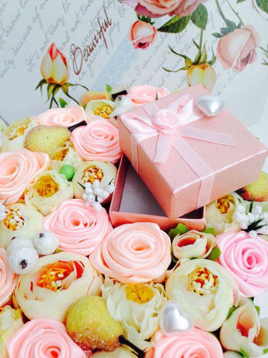 Цветочная композиция в коробке