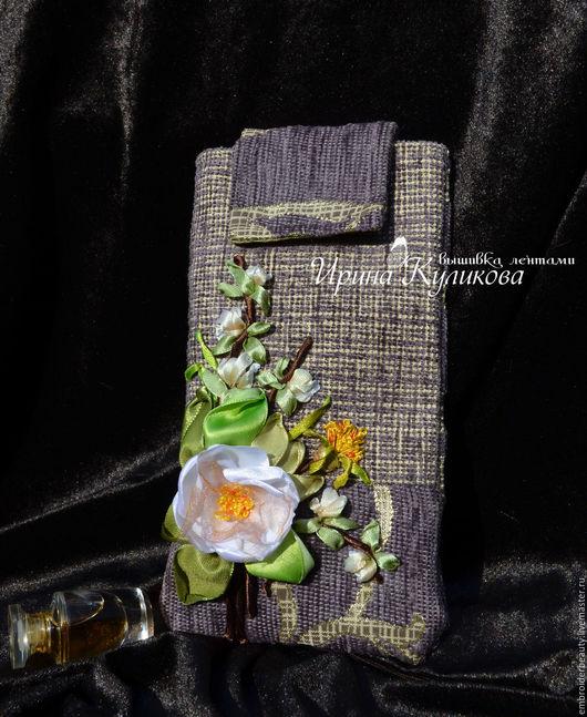 """Для телефонов ручной работы. Ярмарка Мастеров - ручная работа. Купить Чехол для телефона или очечник вышивка лентами """" Яблони в цвету"""". Handmade."""