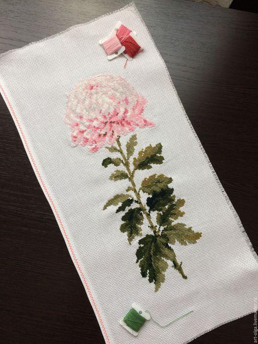 """Картины цветов ручной работы. Ярмарка Мастеров - ручная работа. Купить Вышивка крестиком """"Нежный цветок"""". Handmade. Бледно-розовый"""