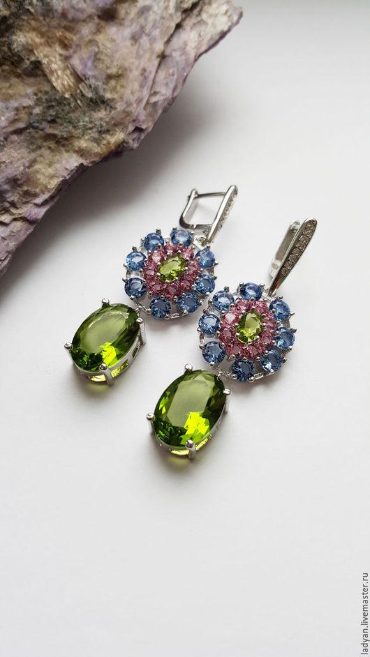 серьги,серьги с камнями,серьги с камнем,серьги длинные,серьги крупные,стильное украшение крупные серьги,вечернее украшение,большие серьги с камнем,серьги с зеленым камнем, ветка оливы, оливковый