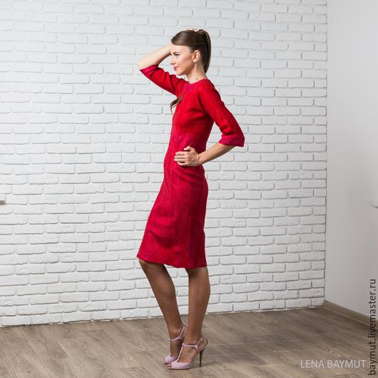 Платья ручной работы. Ярмарка Мастеров - ручная работа. Купить Красное платье-футляр с рукавом три четверти. Handmade.