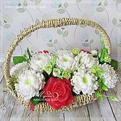 Подарки к праздникам ручной работы. Ярмарка Мастеров - ручная работа Корзинка из 11ти цветов, мыло ручной работы. Handmade.