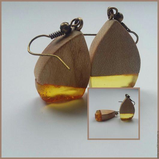 """Серьги ручной работы. Ярмарка Мастеров - ручная работа. Купить Серьги из вяза с янтарем """"Весенние"""". Handmade. Бежевый, дерево с янтарем"""