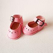 Одежда для кукол ручной работы. Ярмарка Мастеров - ручная работа Обувь для кукол Паола Рейна туфли с пряжками. Handmade.