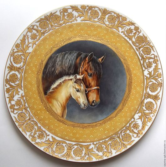 Экстерьер и дача ручной работы. Ярмарка Мастеров - ручная работа. Купить Тарелка декоративная Лошадь с жеребенком. Handmade. Золотой, жеребенок