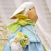 Куклы и игрушки ручной работы. Ярмарка Мастеров - ручная работа Овечка в небесно - голубом текстильная интерьерная игрушка. Handmade.