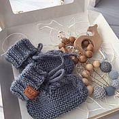 Пинетки ручной работы. Ярмарка Мастеров - ручная работа Набор для малыша: пинетки и 2 грызунка. Handmade.