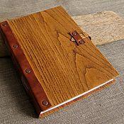 Канцелярские товары ручной работы. Ярмарка Мастеров - ручная работа Блокнот из дерева и кожи. Handmade.
