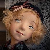 Куклы и игрушки ручной работы. Ярмарка Мастеров - ручная работа Девочка в берете. Handmade.
