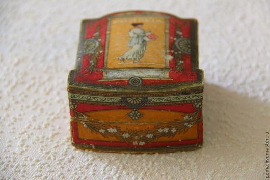 Антикварная пудреница `Помпея`