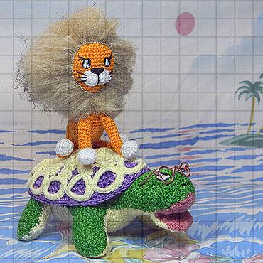Куклы и игрушки ручной работы. Ярмарка Мастеров - ручная работа Набор вязаных игрушек «Львёнок и черепаха». Handmade.
