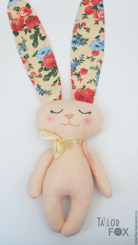 Игрушка заяц с длинными ушами своими руками