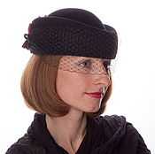 Аксессуары ручной работы. Ярмарка Мастеров - ручная работа Велюровая шляпка-таблетка с вуалью Белла цветы. Handmade.