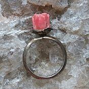 Винтаж manualidades. Livemaster - hecho a mano El anillo de coral y plata. Handmade.