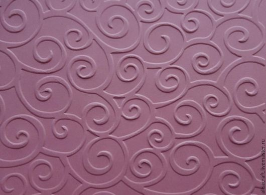 Бумага `Розовый персик`. Плотность - 170 г. На фото - пример качества тиснения. Цена А4 = 15 руб.,  30х30 см = 20 руб.  На фото показан пример качества тиснения данной бумаги.