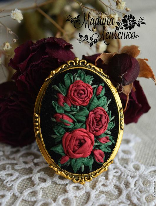 """Броши ручной работы. Ярмарка Мастеров - ручная работа. Купить Брошь """"Розы алые """". Handmade. Красные розы"""