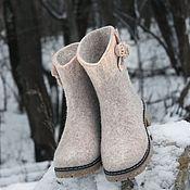 Обувь ручной работы. Ярмарка Мастеров - ручная работа Валяные сапожки короткие, бежевые.. Handmade.
