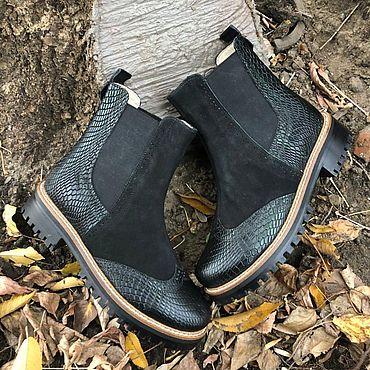 Обувь ручной работы. Ярмарка Мастеров - ручная работа Челси «чёрный нубук/чёрная рептилия с зелёным отливом». Handmade.