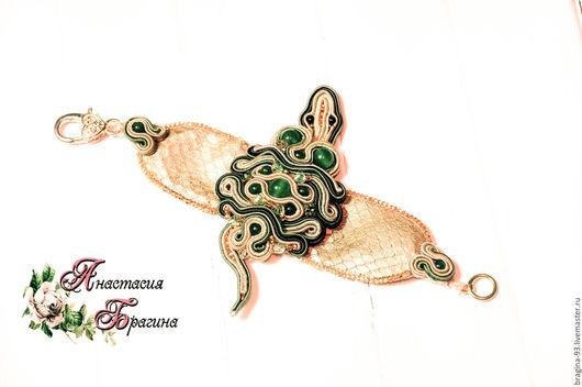 """Браслеты ручной работы. Ярмарка Мастеров - ручная работа. Купить Сутажный браслет """"Ящерка"""". Handmade. Зеленый, браслет с камнями"""