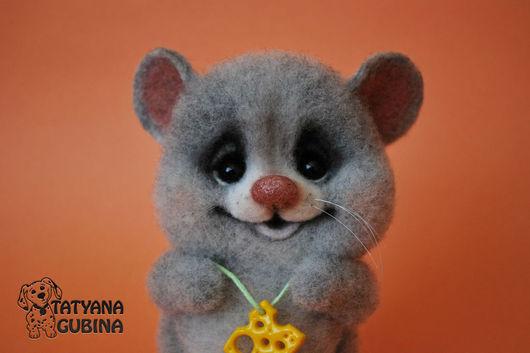 Игрушки животные, ручной работы. Ярмарка Мастеров - ручная работа. Купить Мышка валяная Асечка. Handmade. Серый, мышь войлочная