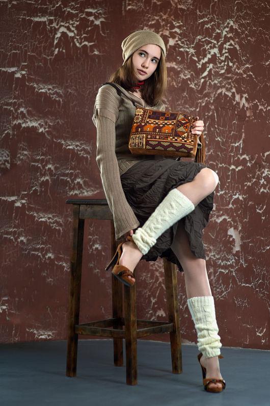 Купить или заказать эксклюзивную женскую сумку из замши с вышивкой. Авторские женские сумки от Олита Бусина.