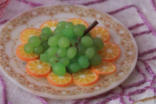 Еда ручной работы. Ярмарка Мастеров - ручная работа. Купить Виноград из полимерной глины. Handmade. Зеленый, кукольная миниатюра