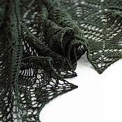 Аксессуары ручной работы. Ярмарка Мастеров - ручная работа Темно-зеленая шаль из 100% шерсти. Handmade.